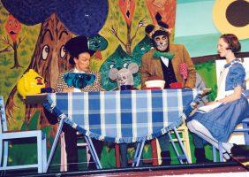 Alice 1999 09