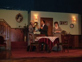 arsenic-old-lace-2004-04.jpg