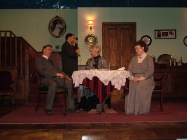 arsenic-old-lace-2004-09.jpg