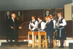 daisy-pulls-2001-6
