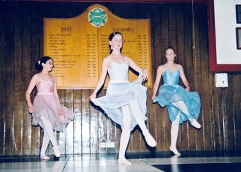 Old Time Music Hall 2000 02
