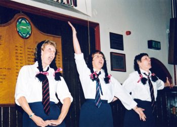 Old Time Music Hall 2000 04