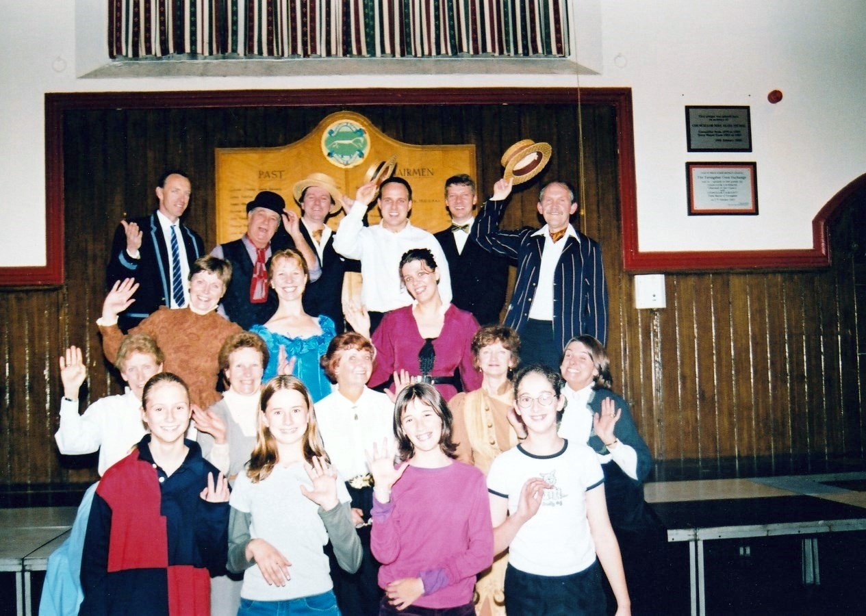 Old Time Music Hall 2000 05
