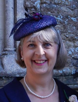 Lynda Bates