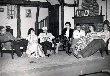 queen-elizabeth-slept-here-1958-photo-2